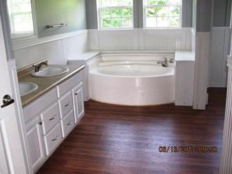 703 Maynard Master Bathroom