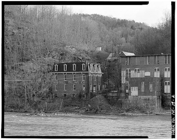 Marshall Milling Company Gristmill and Capitola Manufacturing Company along the French Broad River in 1982. Photo courtesy of the Library of Congress