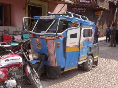 Eye yi yi, we love these Mototaxis, their individuality and creativity in metal and vinyl.