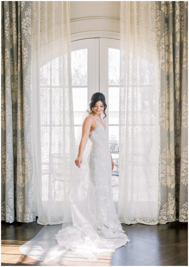 classic winter wedding at Park Chateau in New Jersey