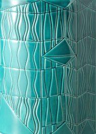 BLW_Guadalupe_Vase_Alto-Verde_CLOSE_WEB2500px-1442x2000