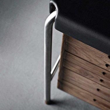 arne-jacobsen-society-table-desk-aj52-detail-carl-hansen-and-son_1024x1024