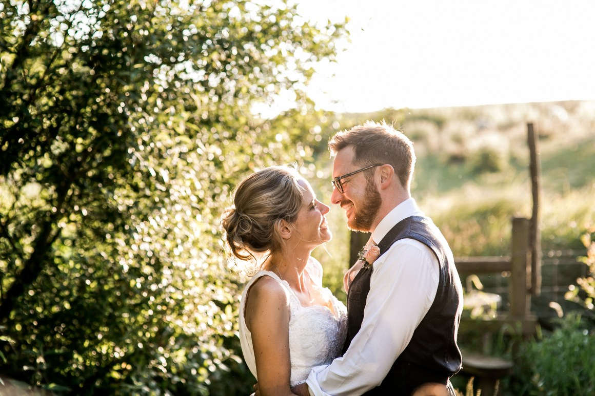 'why you should have wedding photos at sunset', 'wedding day photography sunset', 'wedding photographer east london', 'sunset wedding day portraits'