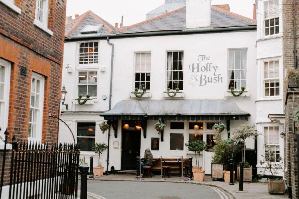 The Holly Bush pub in