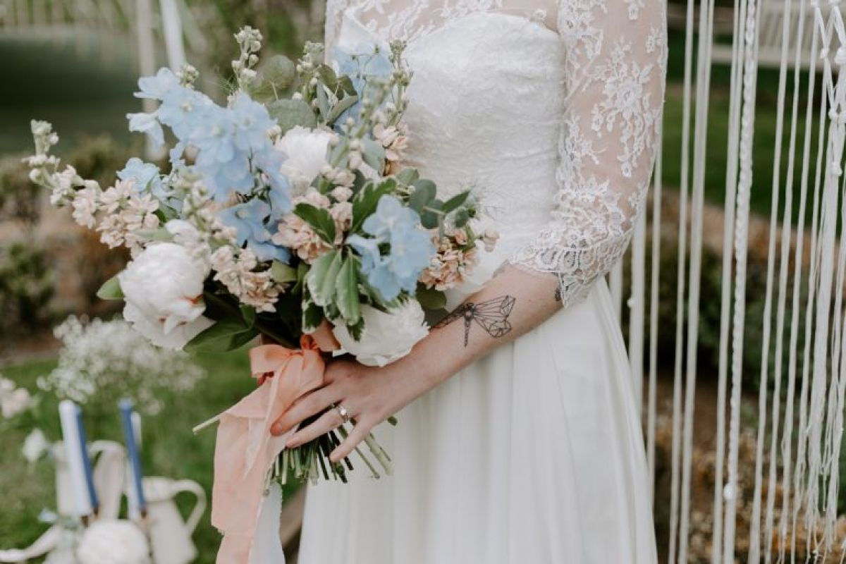 Sustainable wedding flowers idea