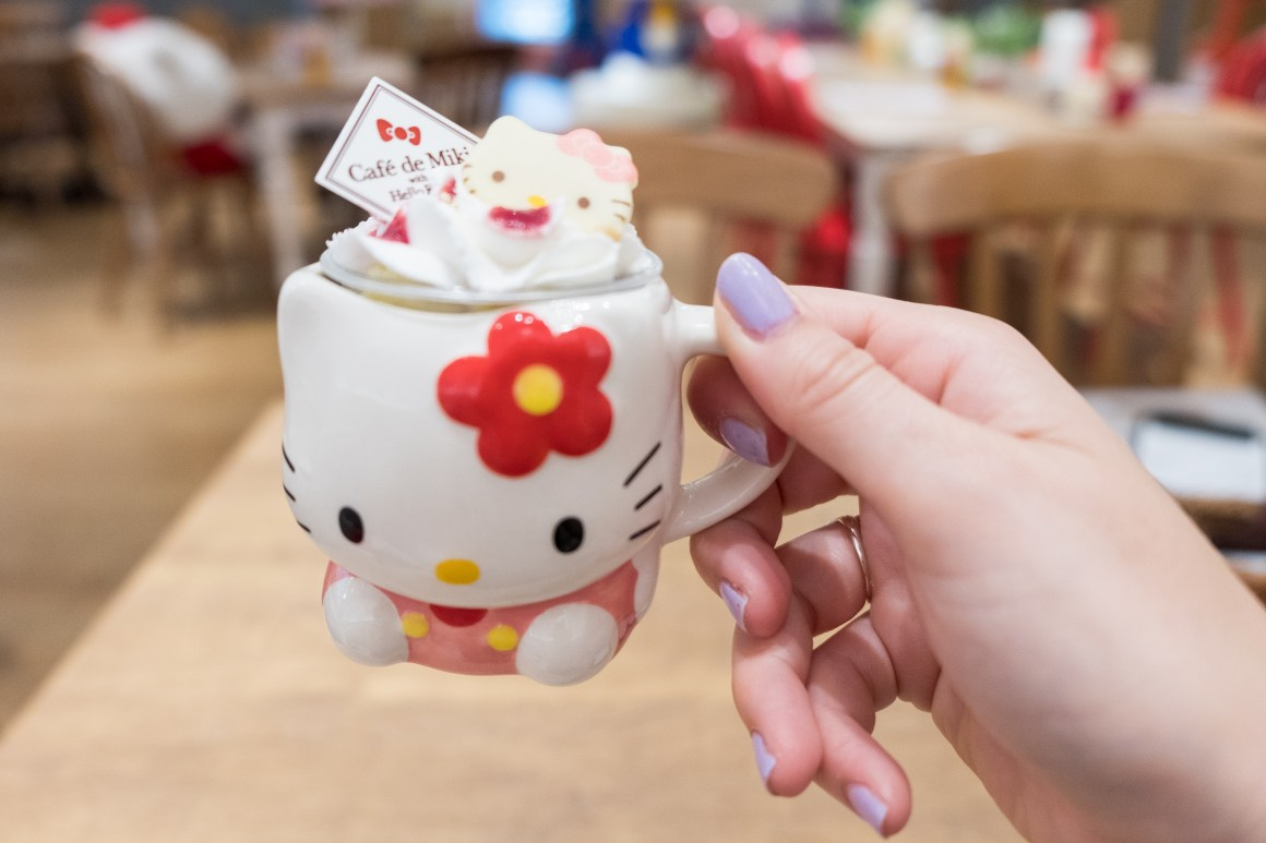 Hello Kitty ice cream in Cafe de Miki Tokyo