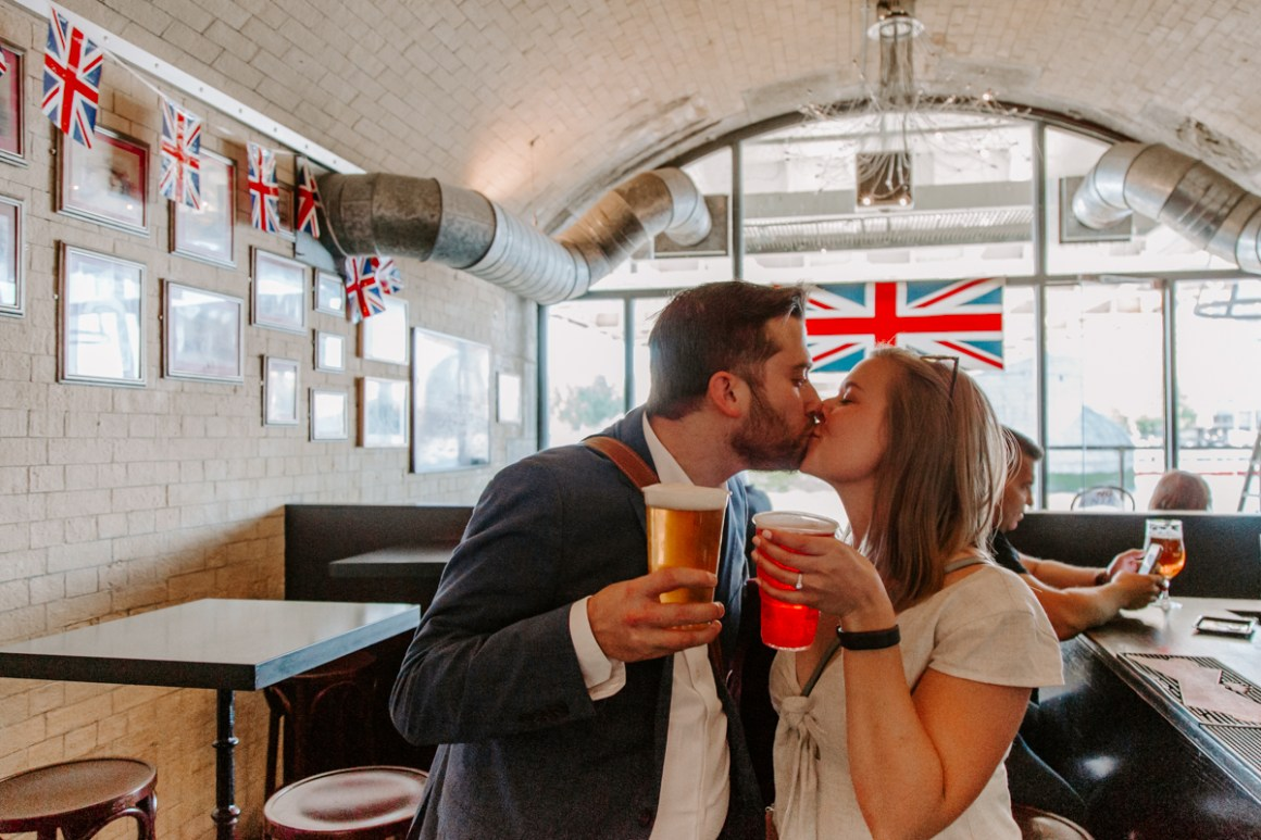 London engagement photography in a pub