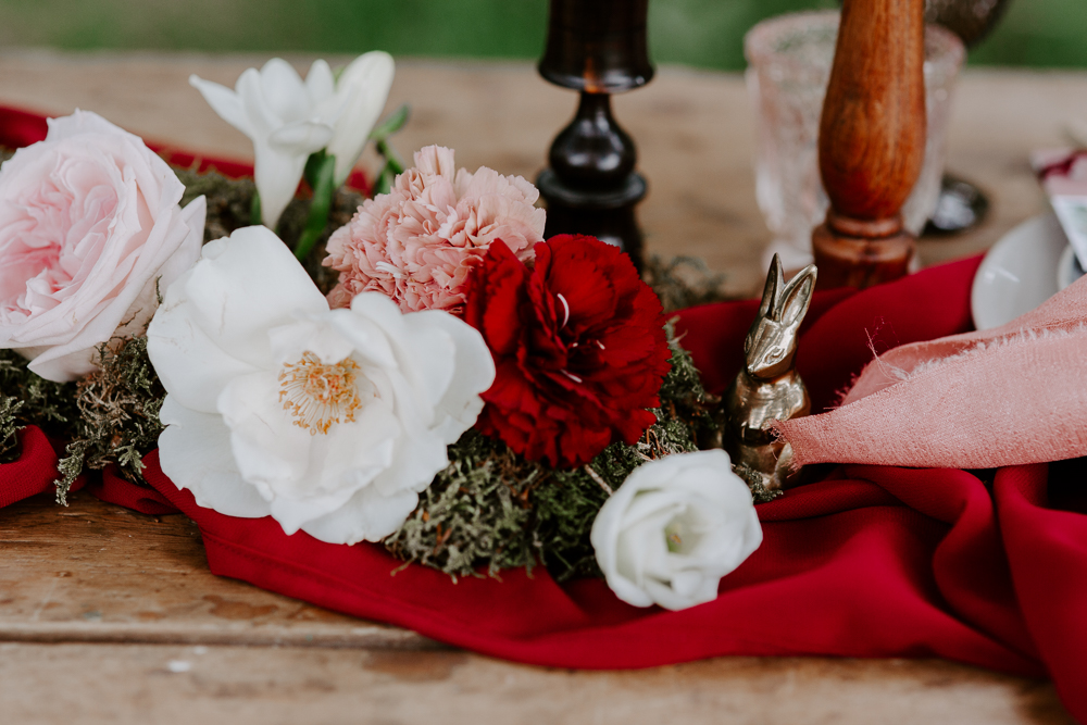 Red and pastel wedding decor