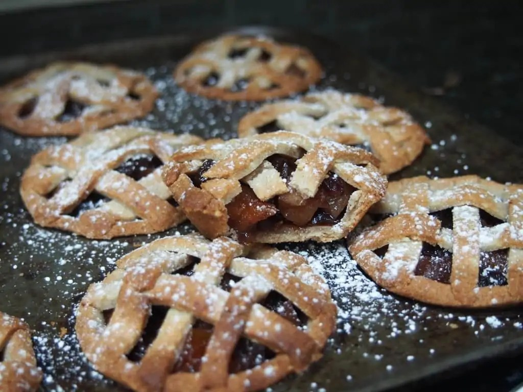 gluten free mince pie dusted with powdered sugar