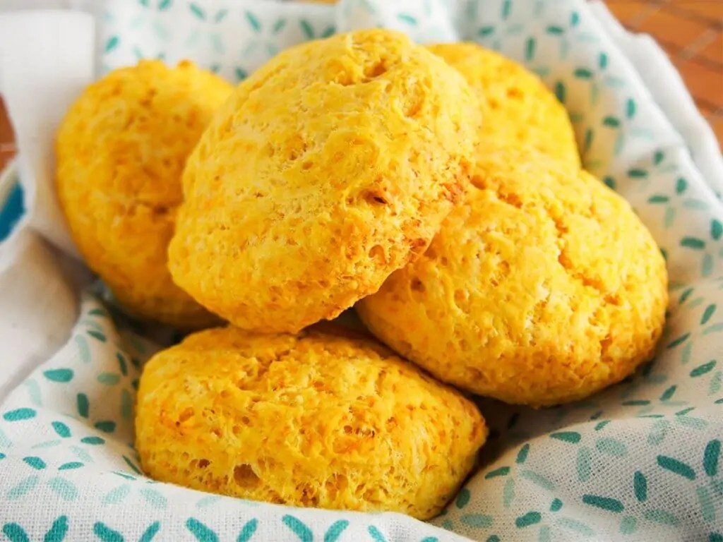 butternut squash biscuits with gruyere in basket