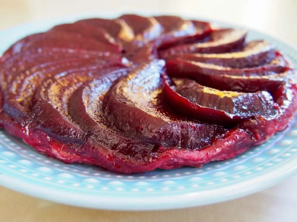Beetroot tarte tatin makes an easy, tasty lunch or light meal. With a little goats cheese, the flavors are delicate & delicious, all wrapped in crisp pastry.