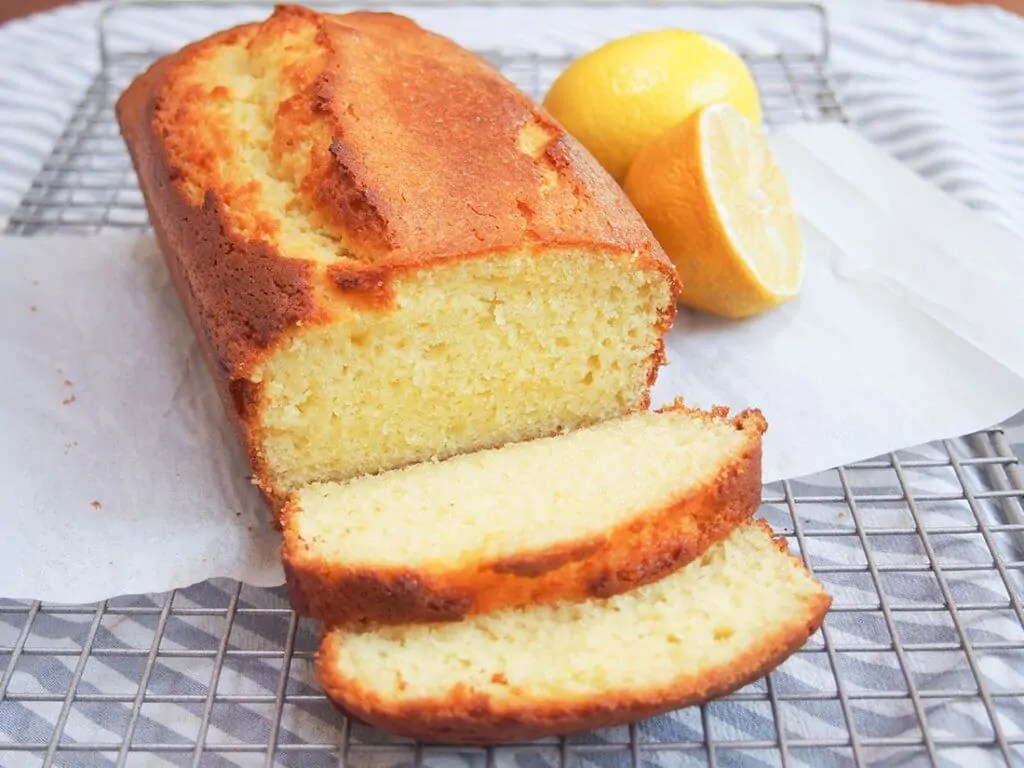 French lemon yogurt cake