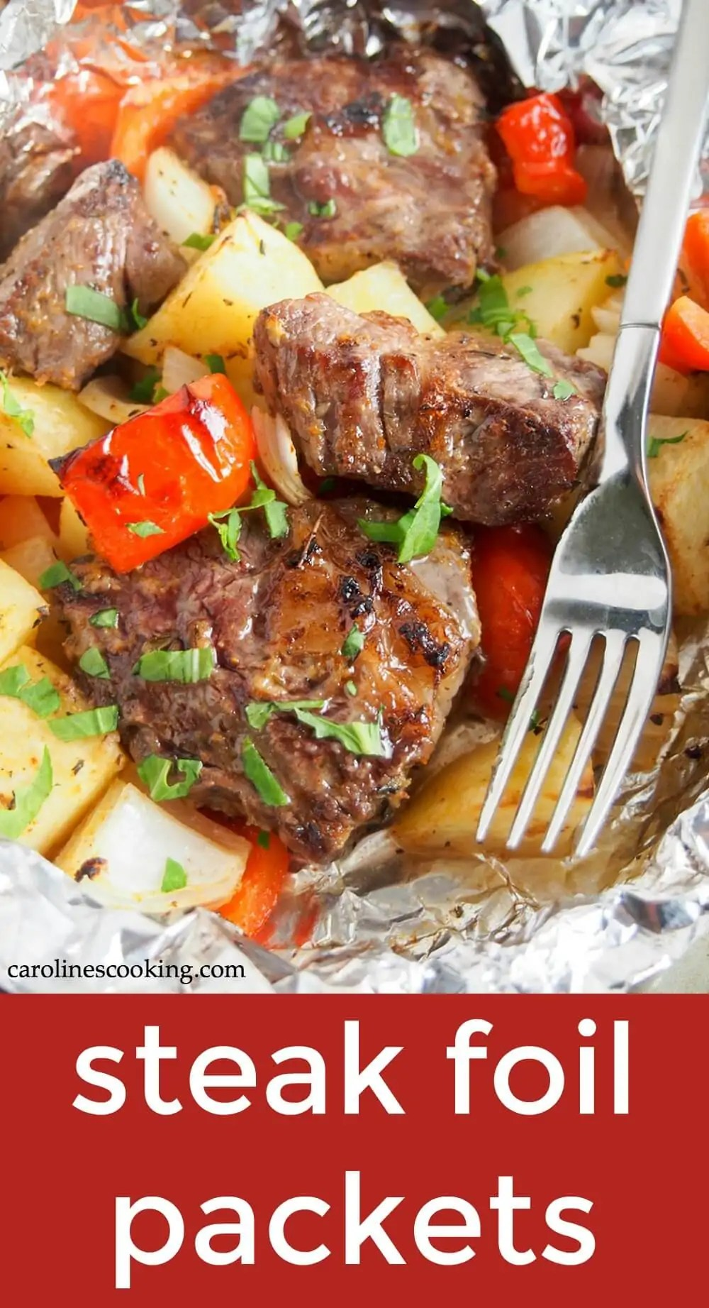 Whatever your weather, these steak foil packets are a delicious, easy meal. They take no time to prepare, the whole meal cooks together and there's minimal clean up. What could be better?! Flavorful, easy to adapt, and great either grill or oven cook. #steakandpotatoes #grilling #foilpack #glutenfree