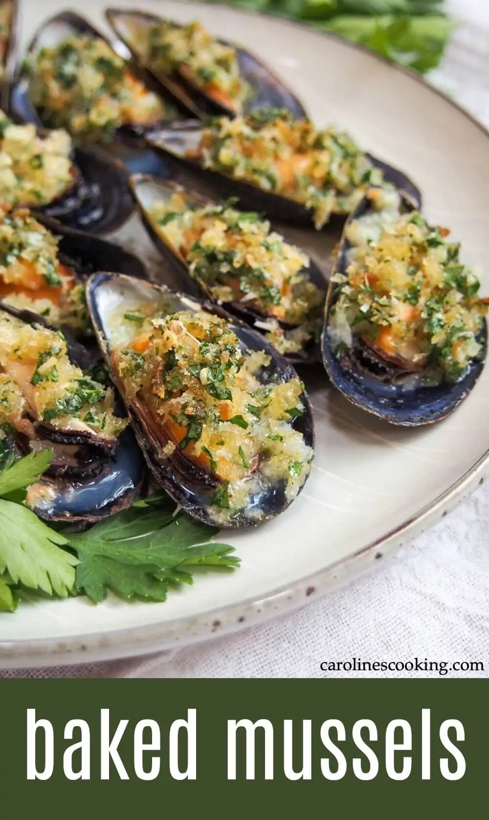 These baked mussels are easy to prepare and make a great appetizer for any occasion. Tender mussels with a tasty garlicy crumb topping - they're elegant finger food (that's budget-friendly too). #mussels #italianfood