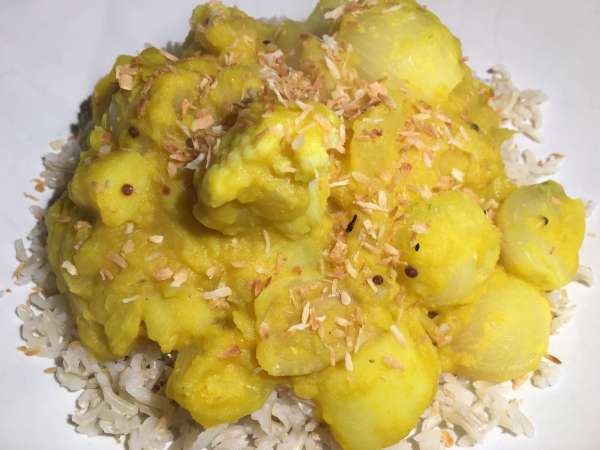 Cauliflower, lentil, potato and coconut curry