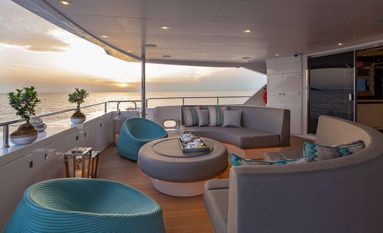 aft deck lounge on motor yacht AQUA LIBRA