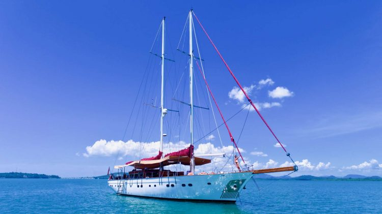 Main shot of 90ft sailing yacht ORIENT PEARL