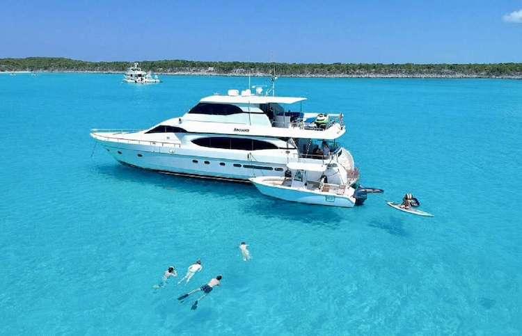 Andiamo 82ft Monte Fino motor yacht at sea
