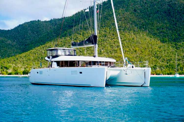 45ft Lagoon S-Y Catamaran LUNA is available in The Caribbean and The Bahamas