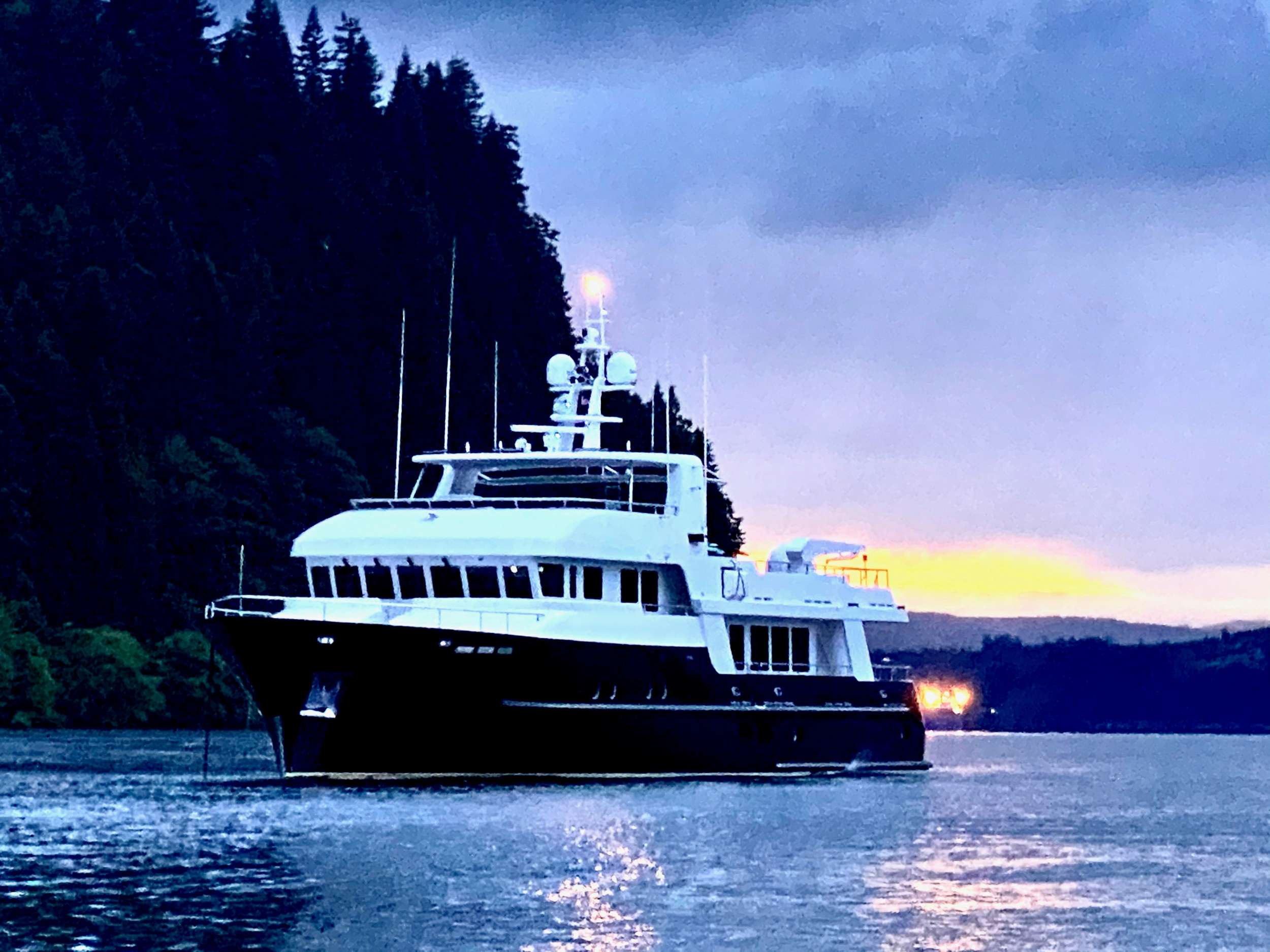 99ft Maxi Marine Group motor yacht Samsara operates in the US West Coast, Alaska, California, Pacific NW and Central America