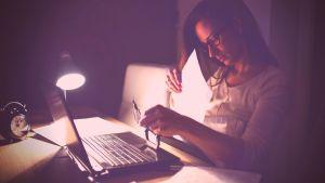 Workaholismo: artigo por Carol Miltersteiner