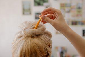 Shampoo antigiallo: cosa fa, come si usa? Ecco i migliori