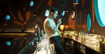 Stevie at bar in Atlantis