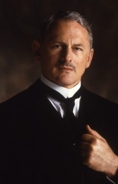15_Victor Garber as Mr. Foster