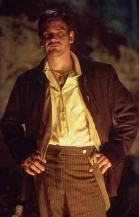 19_Scott Bairstow as Miles