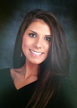 Elise's senior picture