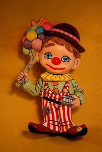 Atlantic 0739 Clown Smilie (red & white pants)