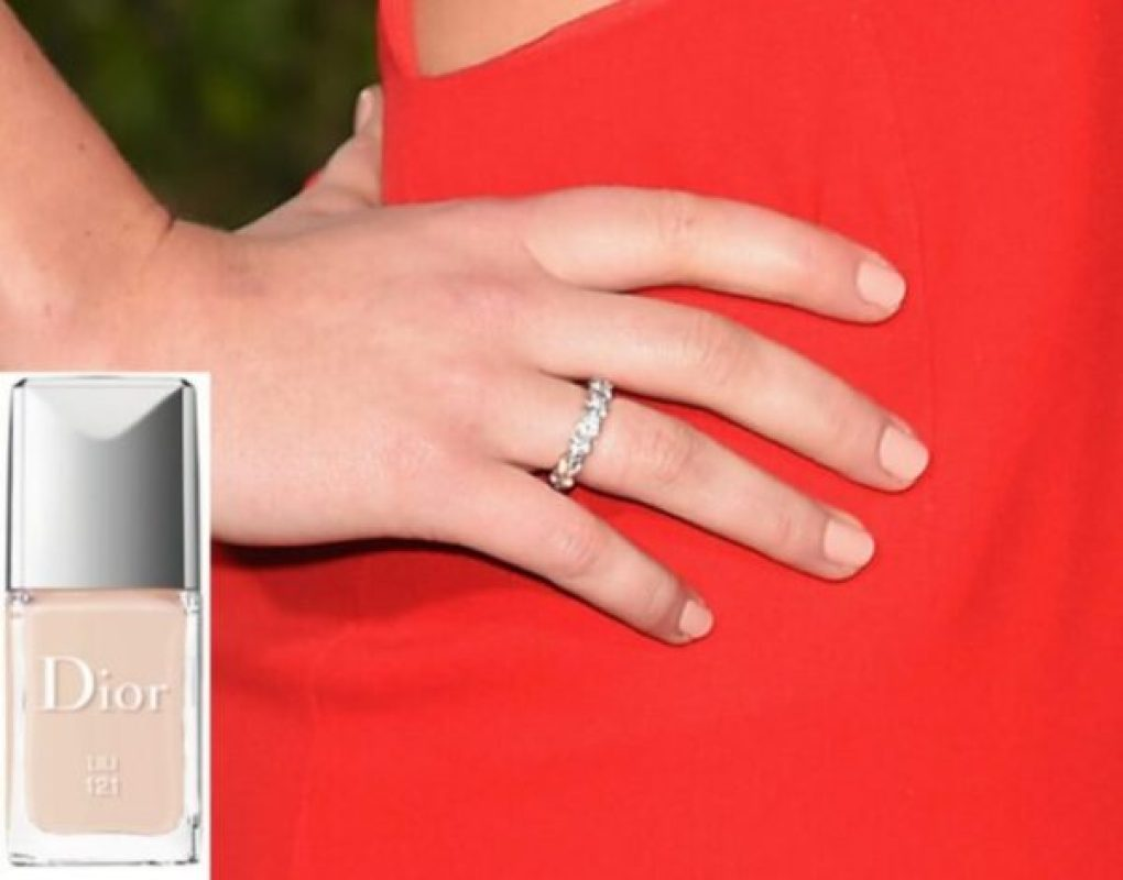 Jennifer Lawrence Golden Globes Carol Sisson esmalte