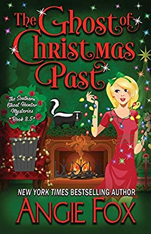 The Ghost of Christmas Past by Angie Fox