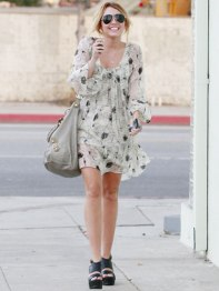 mcx-miley-cyrus-street-style-005-lgn