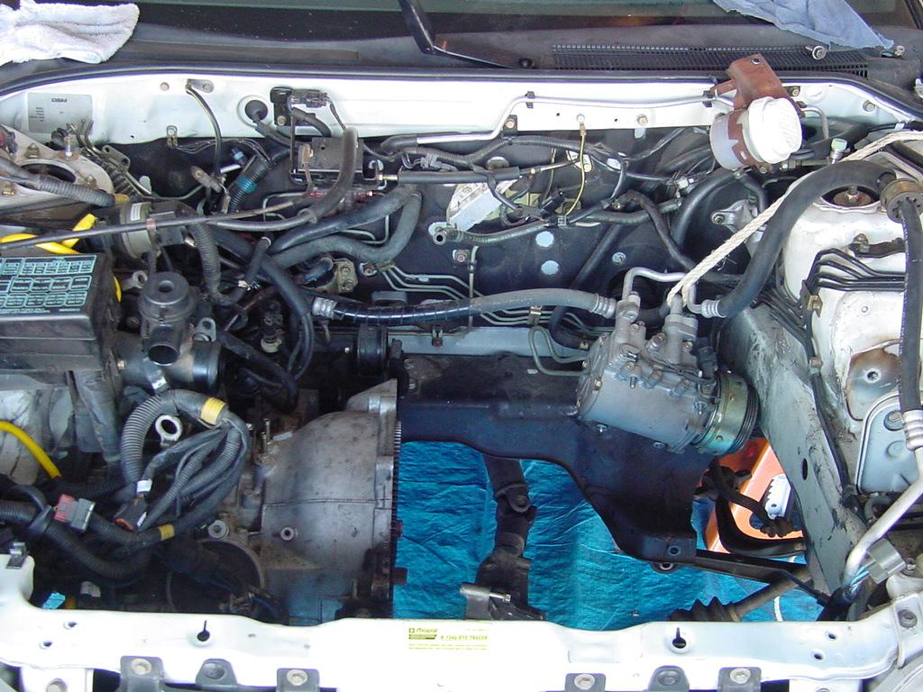 Gs/449782200/MITSUBISHI_4G64_engine_cylinder_head_MD305479