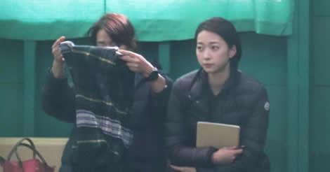 鈴木誠也の合同自主トレ地(宮崎)に、愛理夫人が来た!真剣に見守る