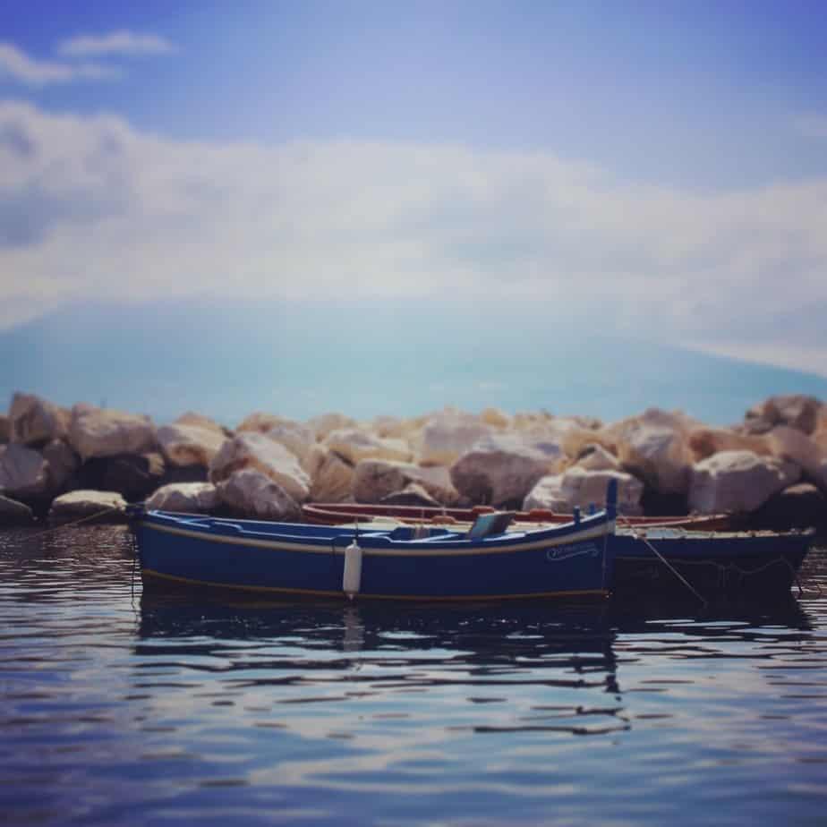 Le bateau muet, Naples, Vésuve