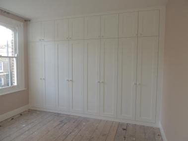 Bespoke Fitted Wardrobe white