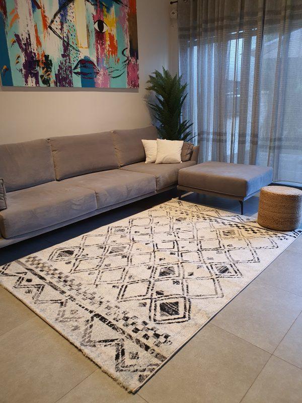שטיח ברבר שחור לבן
