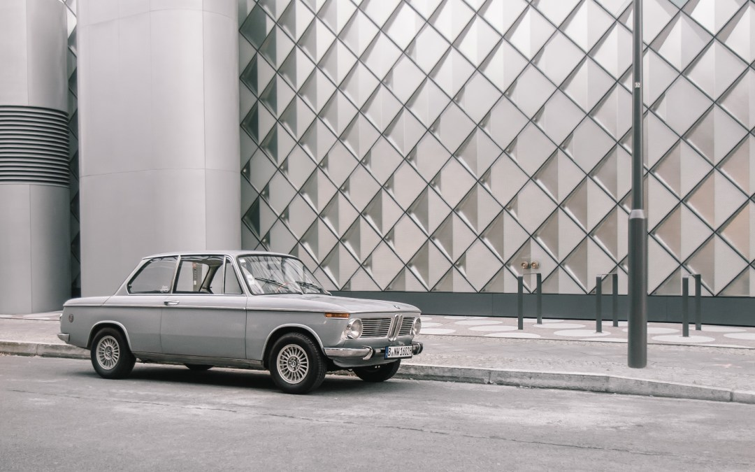 IT'S BOXY, YET SPORTY AND STILL VERY CLASSY: NICO AND HIS BMW 1600-02