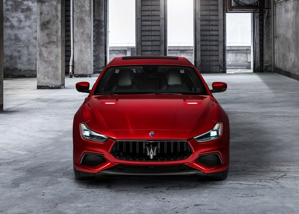 2022 Maserati Ghibli Trofeo