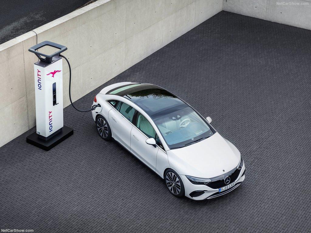 Mercedes-Benz EQE (2023)