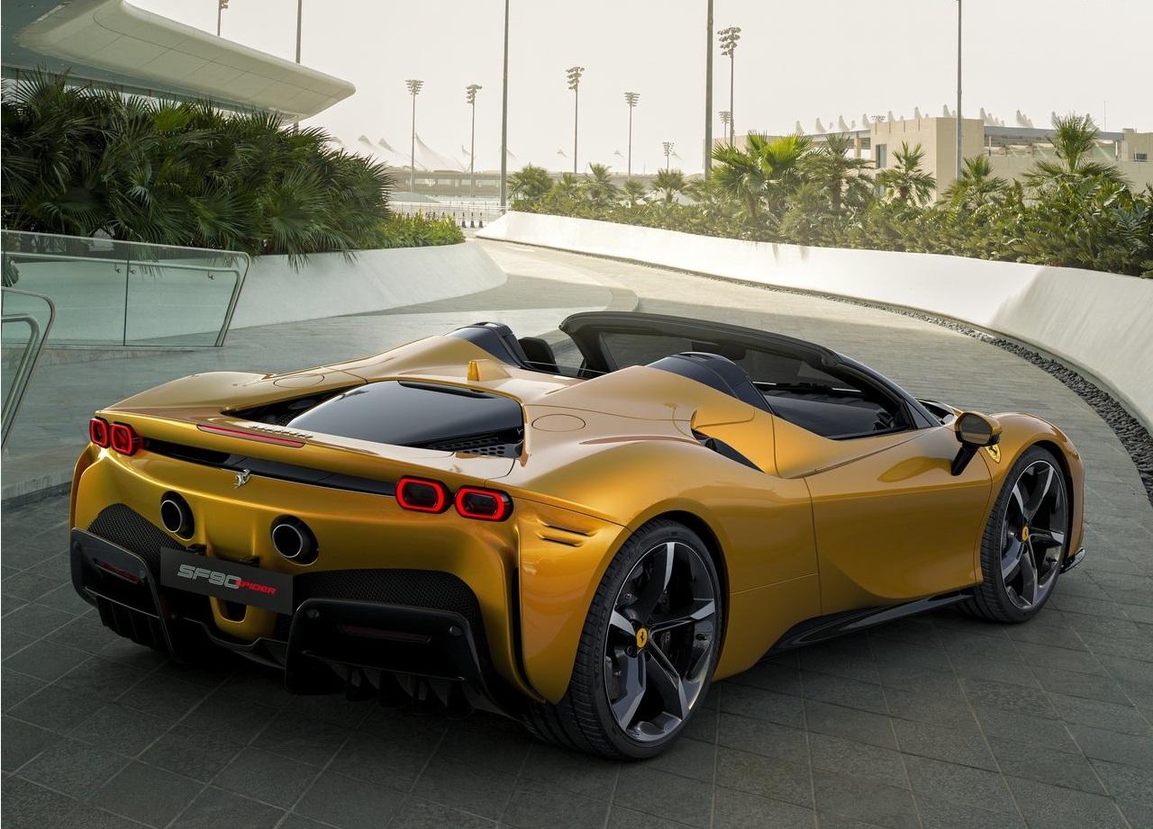 2022 Ferrari SF90 Spider