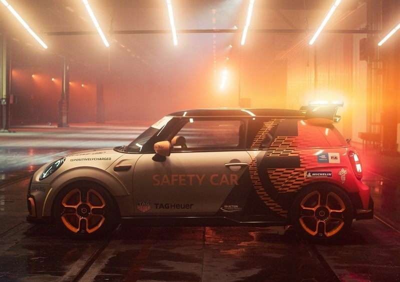 2022 Mini Electric Pacesetter