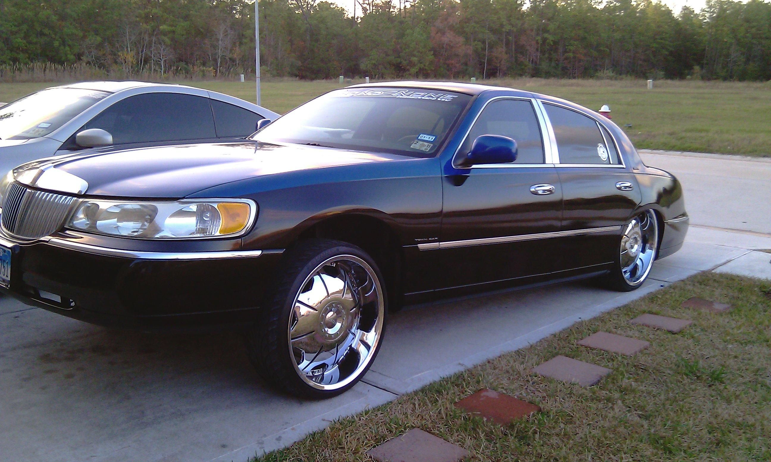 1994 Lincoln Town Car On 22s