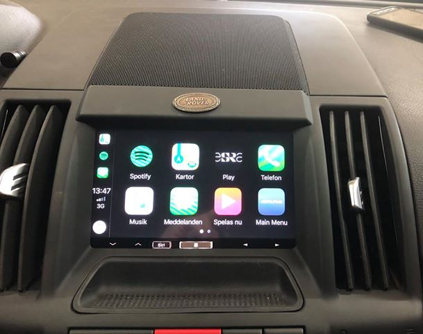 CarPlay Installs: Alpine iLX-700 in a Land Rover Freelander 2