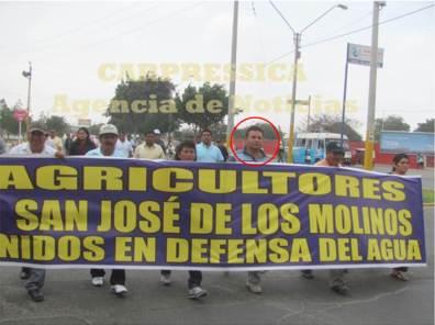 """Alcalde de Los Molinos apoyando la marcha en contra del proyecto """"Agua para Ica"""" en abril del 2014"""