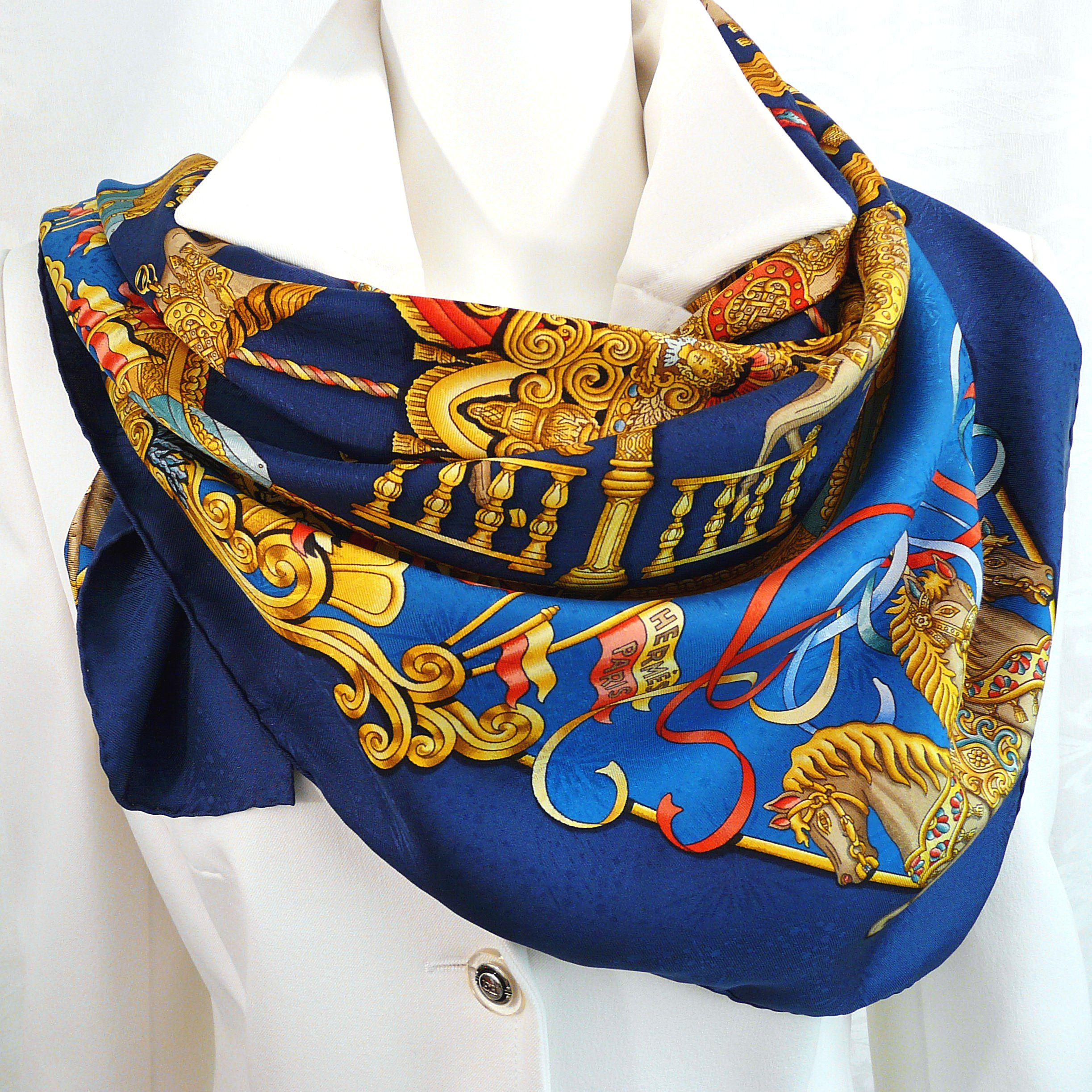 Luna Park HERMES Paris Seidentuch Blau