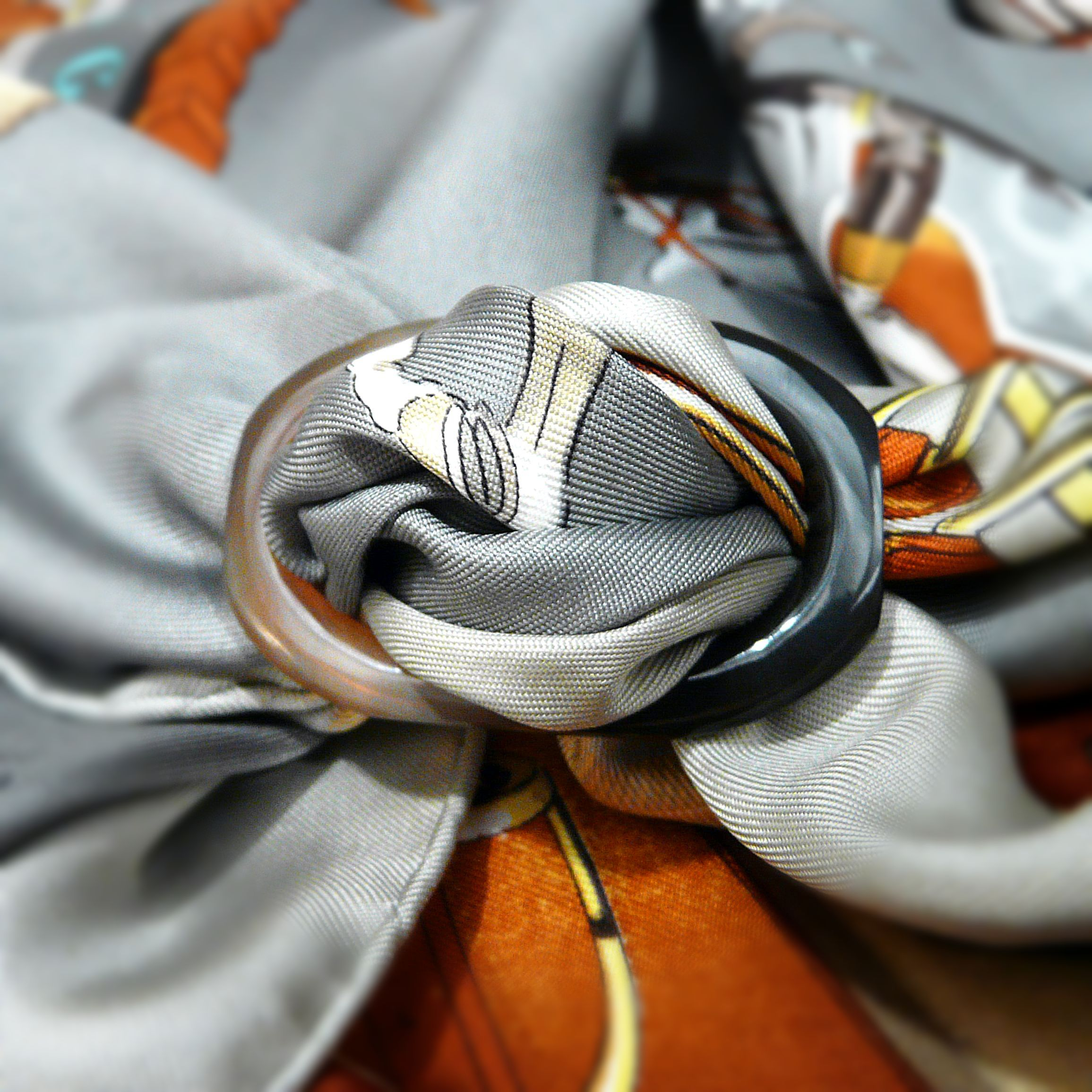 Grand Anneau Horn Scarf Ring with Jumping Hermes Silk Scarf