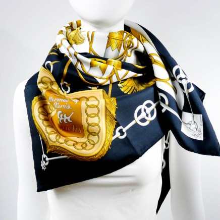 cliquetis-hermes-silk-scarf-by-cdp